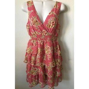 Forever 21 V Neck Sleeveless Tiered Lined Dress